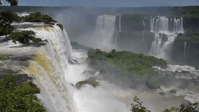 vídeos y material grabado en eventos de stock de vista del paisaje de las cataratas del iguazú - cataratas del iguazú