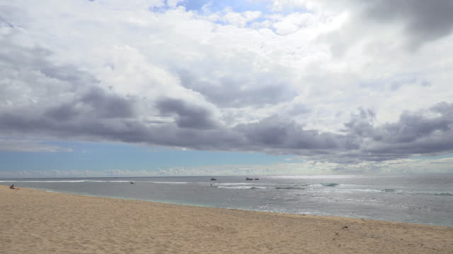 ws landscape with beach and waves in sea, reunion island - french overseas territory stock videos & royalty-free footage
