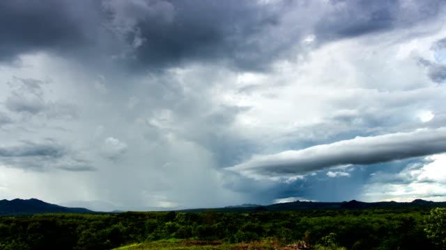 landschap met regen Timelapse