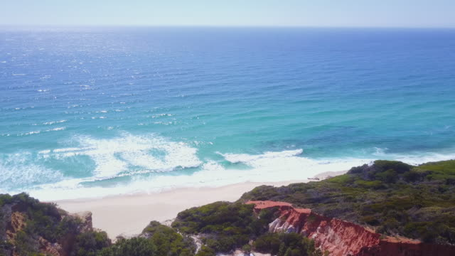 4k landscapes: aerial view of the pinnacles rock formations and sea, new south wales, australia - coastal feature stock-videos und b-roll-filmmaterial