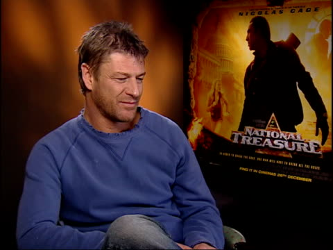 vidéos et rushes de langford asking question sean bean interview sot seems that way / don't know why it used to be russians/ americans have a funny view of britain... - sean bean