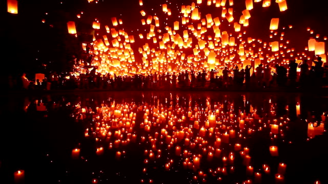 lantern flying water reflection - hot air balloon stock videos & royalty-free footage