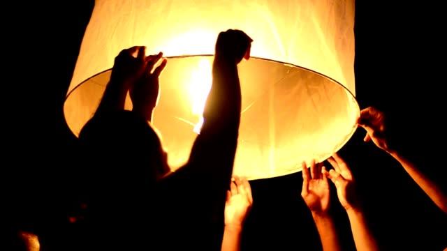 lanterna - lanterna attrezzatura per illuminazione video stock e b–roll