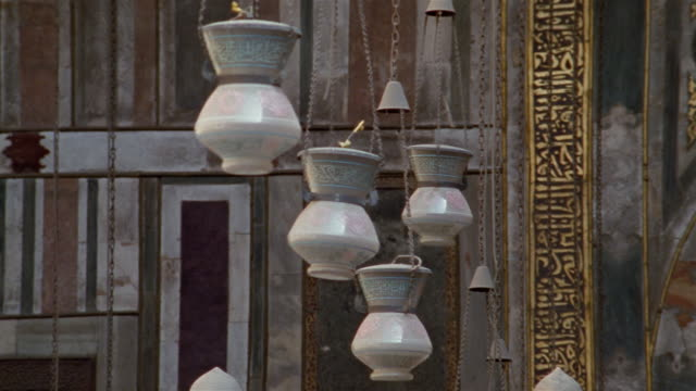 ms, lanterns in sultan hassan mosque, cairo, egypt - mosque stock videos & royalty-free footage