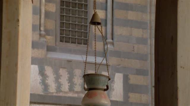 cu, tu, lanterns in sultan hassan mosque, cairo, egypt - moschea video stock e b–roll