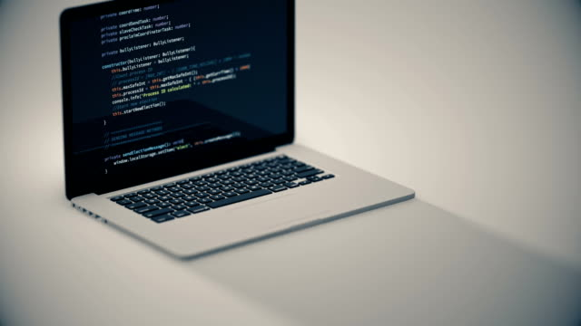 vidéos et rushes de codage d'ordinateur portable - correction numérique