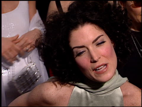 stockvideo's en b-roll-footage met lara flynn boyle at the 2000 screen actors guild sag awards arrivals at the shrine auditorium in los angeles california on march 12 2000 - screen actors guild awards