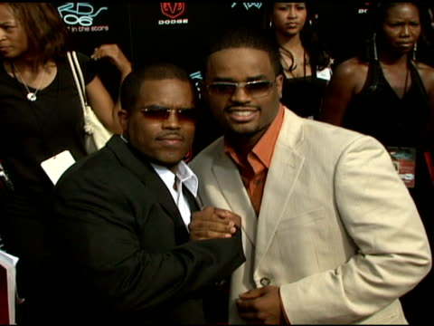 larenz tate and guest at the 2006 bet awards arrivals at the shrine auditorium in los angeles california on june 27 2006 - larenz tate stock videos and b-roll footage