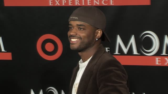 larenz tate at the seat filler los angeles premiere at the el capitan theatre in hollywood california on february 22 2006 - larenz tate stock videos and b-roll footage
