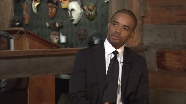 vídeos de stock, filmes e b-roll de larenz tate on the success of rescue me and working on the show at the behind the scenes larenz tate at los angeles ca - rescue me