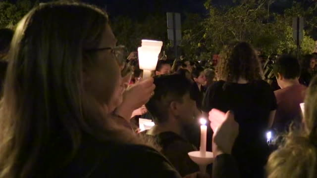 large candlelight vigil to honor victims of the marjory-stoneman-douglas-high-school shooting in parkland, florida. - memorial video stock e b–roll