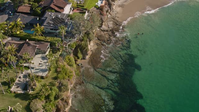 large clifftop houses in laguna beach - aerial - laguna beach california stock videos & royalty-free footage
