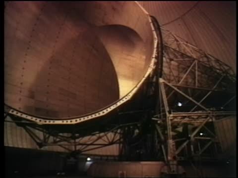 1962 large coneshaped satellite transmission receiver / telstar - telstar stock-videos und b-roll-filmmaterial