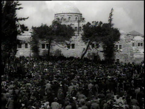 large crowd stands outside of hurva synagogue / jerusalem israel - judaism stock videos & royalty-free footage