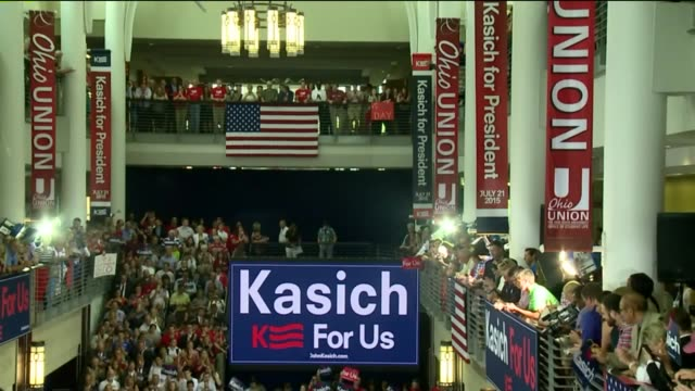 wjw large crowds as ohio governor john kasich announces run for president at ohio state university on july 21 2015 in columbus - ohio state university stock videos & royalty-free footage