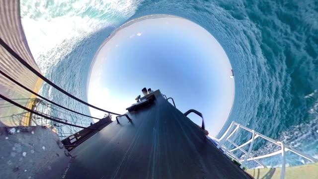 vídeos de stock e filmes b-roll de a large ferry boat carry cars - navio de passageiros