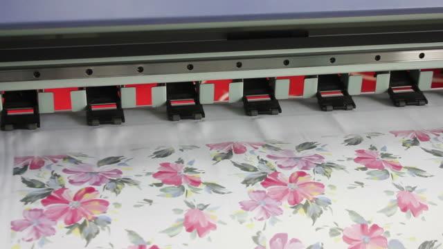 vídeos y material grabado en eventos de stock de ecu a large format ink jet printer/xian,shaanxi,china - diseño floral