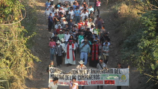 ws large group protests gold mining in el / san ysidro,cabaí±as,el salvador - gold mine stock videos and b-roll footage