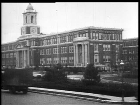 b/w 1927 large institutional building / educational - 1927年点の映像素材/bロール