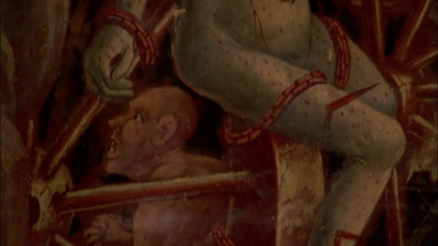 vidéos et rushes de a large painted mural in albi cathedral depicts the last judgment available in hd. - apocalypse