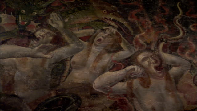 vidéos et rushes de a large painted mural in albi cathedral depicts the last judgment. available in hd. - apocalypse