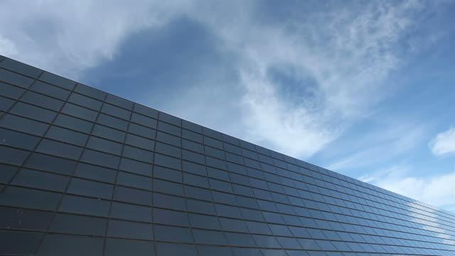 large solar panel - elektrizität stock videos & royalty-free footage