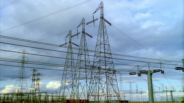 T/L MS PAN Largest California electrical substation (seventh largest in world), San Joaquin Valley, California, USA