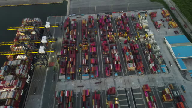 largest teu operation in international port - demobilisation stock videos & royalty-free footage