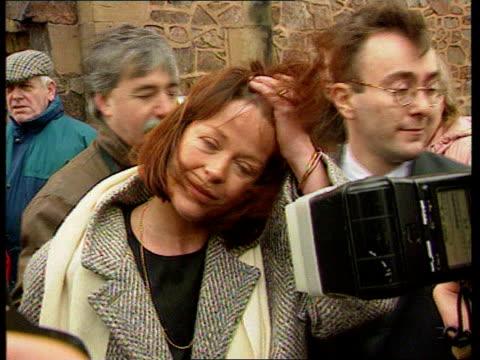 vídeos y material grabado en eventos de stock de warwicks nuneaton cms isla st clair speaking ms johnny briggs attends funeral nat - isla st clair