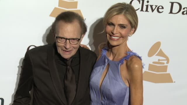 stockvideo's en b-roll-footage met larry king and shawn king at the 2016 pregrammy gala and salute to industry icons honoring irving azoff at the beverly hilton hotel on february 14... - irving azoff