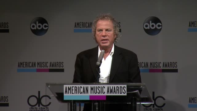 speech larry klein announces the favorite female artist for pop/rock at the 2013 american music awards nominations press conference at bb king blues... - 2013 american music awards stock videos & royalty-free footage