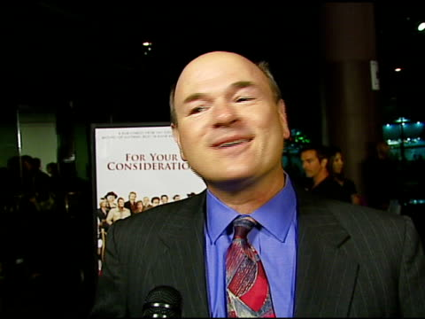 vídeos de stock e filmes b-roll de larry miller on the film chris guest who his role is based on and what film he would like guest and levy to make next at the 'for your consideration'... - director's guild of america