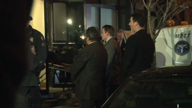 vídeos de stock, filmes e b-roll de las autoridades forenses de nueva york preven iniciar este lunes la autopsia del actor philip seymour hoffman hallado muerto el domingo por una... - autopsia