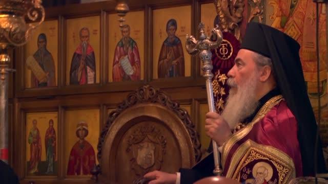 las competencias en el agua y en la nieve son parte de las celebraciones de la navidad de los cristianos ortodoxos de oriente quienes festejan el... - cristianismo stock videos & royalty-free footage