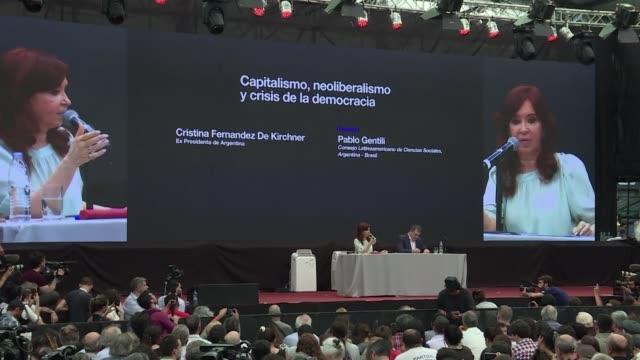 Las expresidentas de Brasil Dilma Rousseff y de Argentina Cristina Kirchner llamaron el lunes en Buenos Aires a construir frentes populares para...