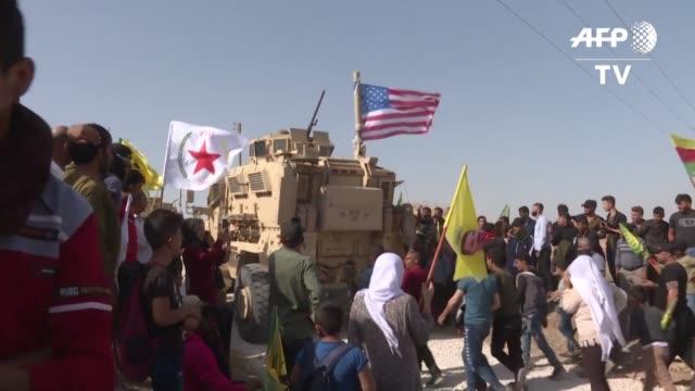 vídeos y material grabado en eventos de stock de las fuerzas de estados unidos en el norte de siria iniciaron el lunes su retirada de las zonas cercanas a la frontera con turquia abriendo la via a... - ee.uu