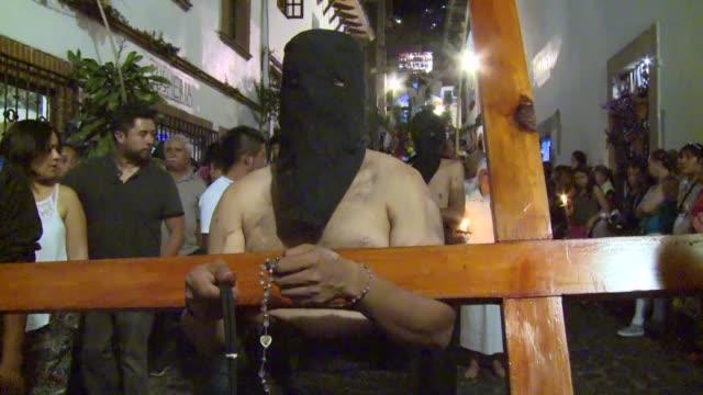 vídeos y material grabado en eventos de stock de las procesiones de semana santa se mantienen vivas en la ciudad mexicana de taxco - semana santa