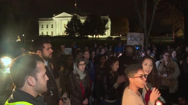 vídeos y material grabado en eventos de stock de las protestas se multiplicaron el miercoles en distintas ciudades de estados unidos y el mundo donde los manifestantes expresaron su desaliento sobre... - ee.uu