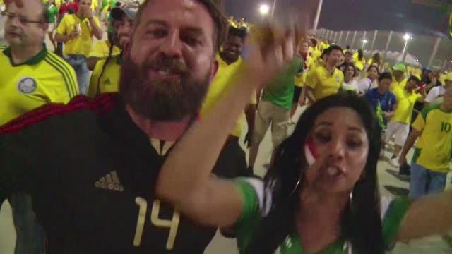 las selecciones de mexico y brasil empataron sin goles este martes en fortaleza lo que genero reacciones opuestas en los hinchas de ambos equipos - 2014 stock videos & royalty-free footage