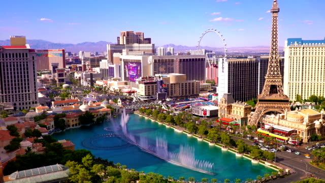 las vegas antenne - the strip las vegas stock-videos und b-roll-filmmaterial