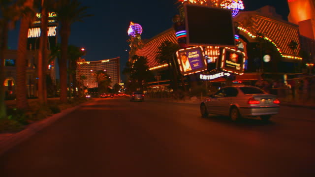 las vegas, nevadadriving the vegas strip at night - las vegas stock-videos und b-roll-filmmaterial