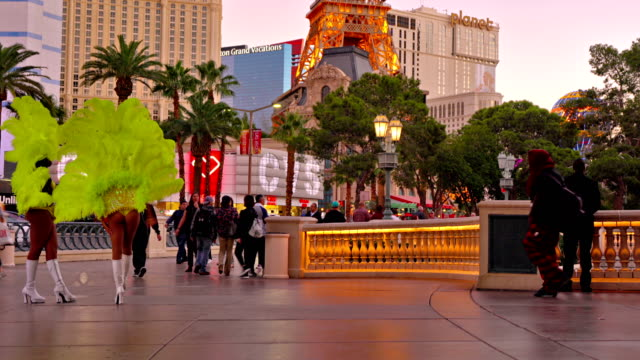 las vegas. street. fountains of bellagio - the strip las vegas stock videos and b-roll footage