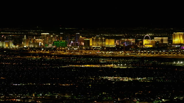 las vegas strip bei nacht - the strip las vegas stock-videos und b-roll-filmmaterial