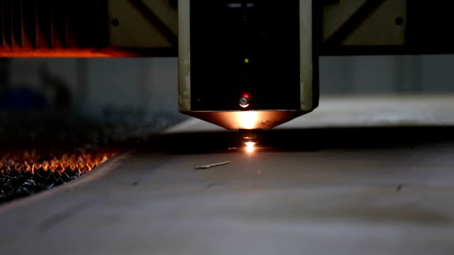 CNC laser metal-cutting manufacturing tool