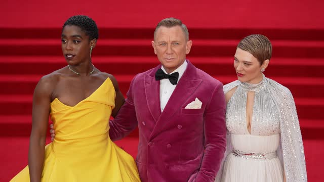 """lashana lynch, daniel craig and léa seydoux attends the """"no time to die"""" world premiere at royal albert hall on september 28, 2021 in london, england. - première stock-videos und b-roll-filmmaterial"""