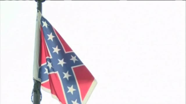 last day of the confederate flag's 54 year run at the south carolina capitol grounds - confederate flag stock videos and b-roll footage