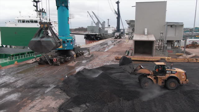 last shipment of coal loaded onto ship at the port of tyne in south shields - loading stock videos & royalty-free footage