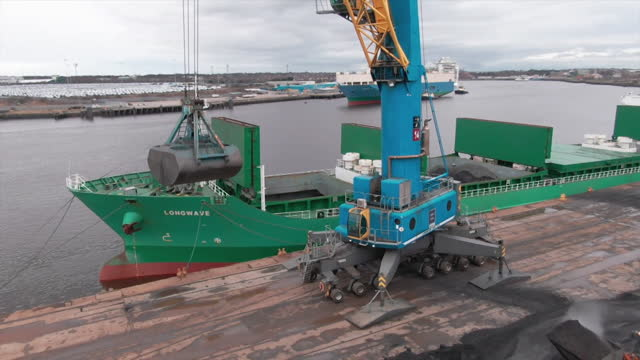 last shipment of coal loaded onto shipping vessel at port of tyne in south shields - loading stock videos & royalty-free footage