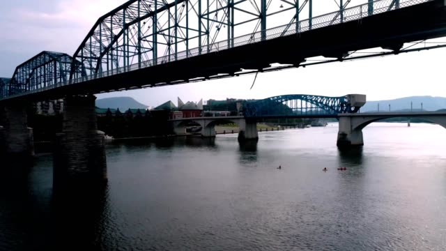 late afternoon over the tennessee river in chattanooga, tn - chattanooga stock videos and b-roll footage