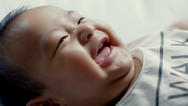 laughing baby - nur babys stock-videos und b-roll-filmmaterial